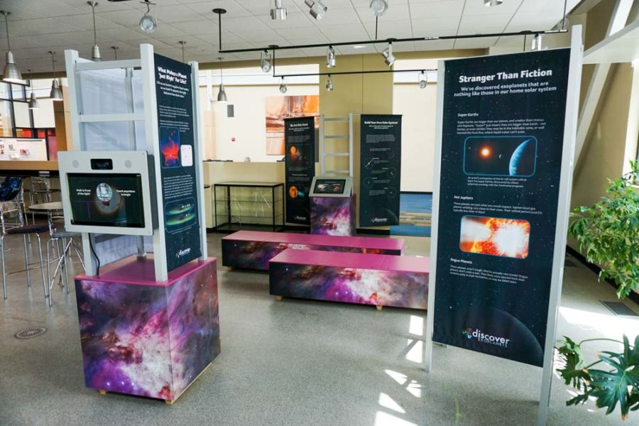 Upland® Exhibit Systems - LEK® Connector System and banners produced for the Space Science Institute